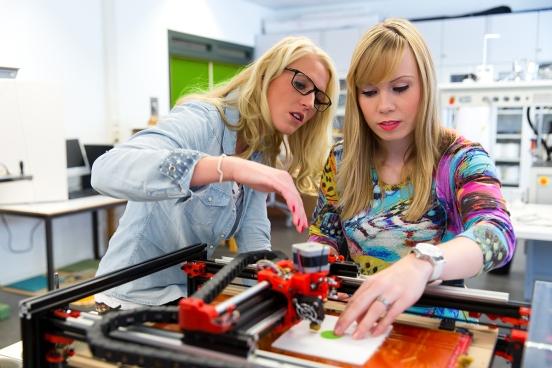 3D printing on textiles
